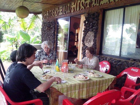 Cabañas Koro Nui: En la terraza