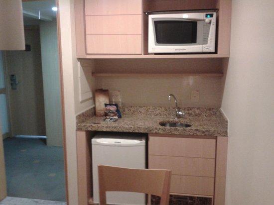 Allia Gran Hotel Brasilia Suites: Cozinha do apartamento