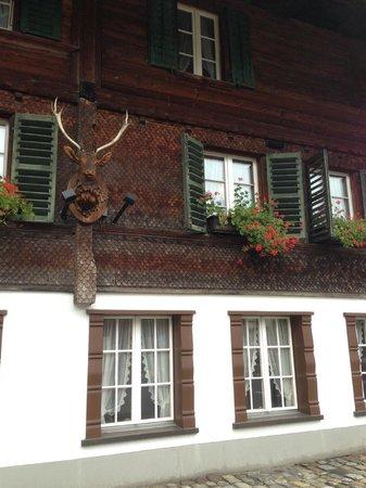 Gasthof Hirschen: Habitaciones desde afuera