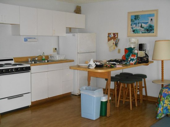 Ed & Ellen's Lodgings: Kitchen
