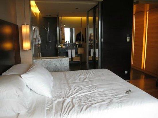 Hilton Kuala Lumpur : bedroom
