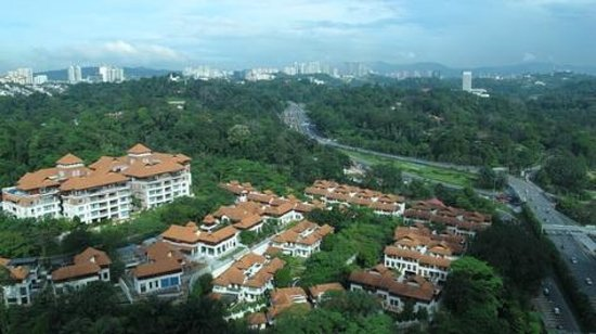 Hilton Kuala Lumpur : looking north of Kuala Lumpur