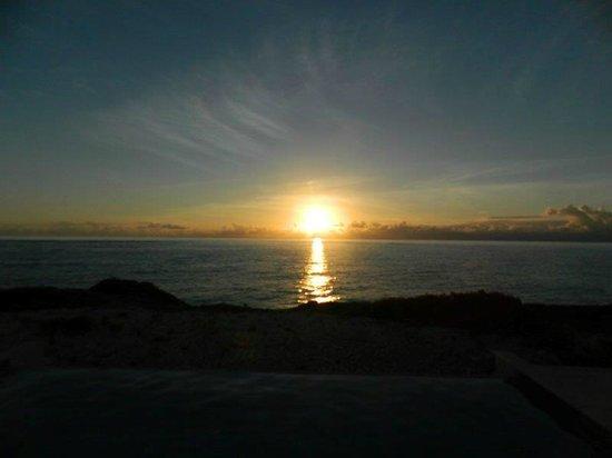 South Caicos: Sunrise on Sailrock Peninsula