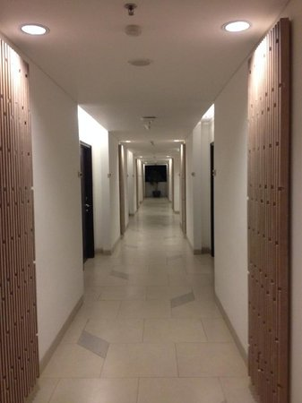 Hotel Santika Siligita Nusa Dua: Even the hallways look good!