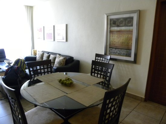 Ixchel Beach Hotel: Living room