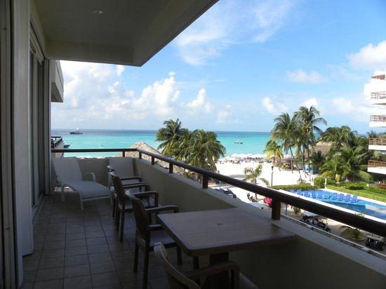 Ixchel Beach Hotel: Balcony