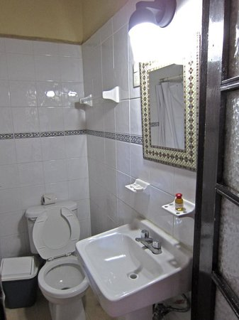 Hotel Reforma: bathroom