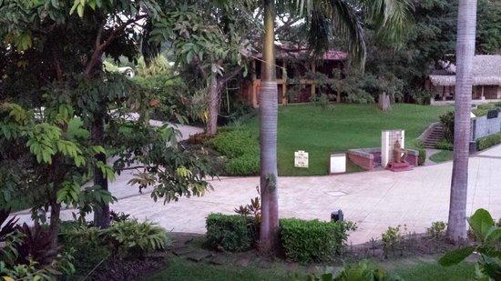 Hotel Tamarindo Diria : Outside Room View