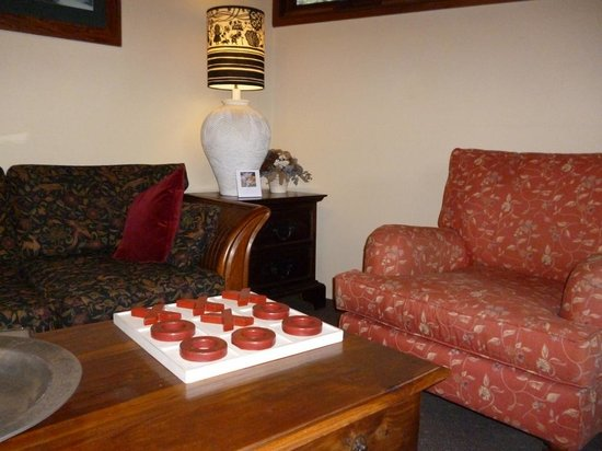 Broomelea Bed & Breakfast: Guest lounge area