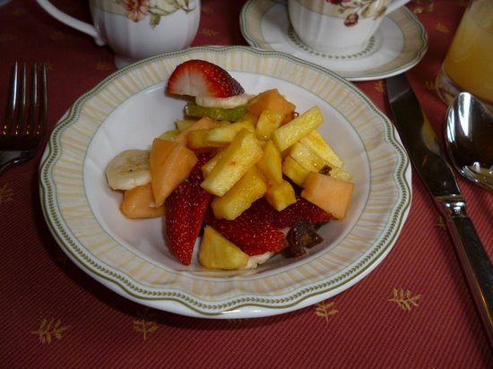 Broomelea Bed & Breakfast: Fresh fruit
