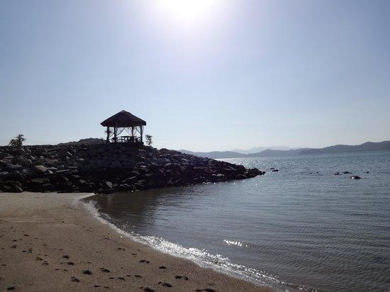 Vivanta by Taj Rebak Island, Langkawi: Morning at the beach..
