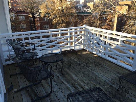 Southmoreland on the Plaza: Caleb B. balcony