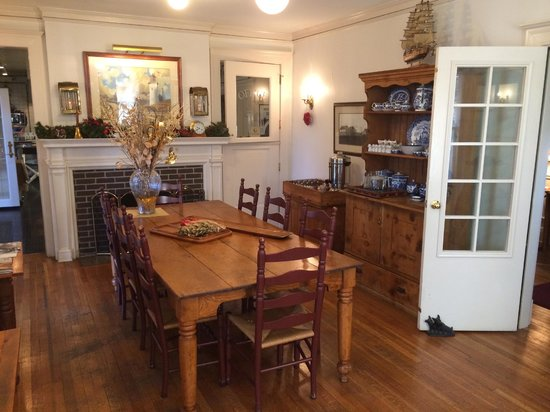 Southmoreland on the Plaza : dining room