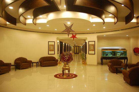 Hotel Rudra Continental: Lobby