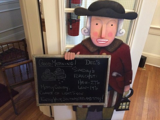Southmoreland on the Plaza: Board with daily breakfast menu and news