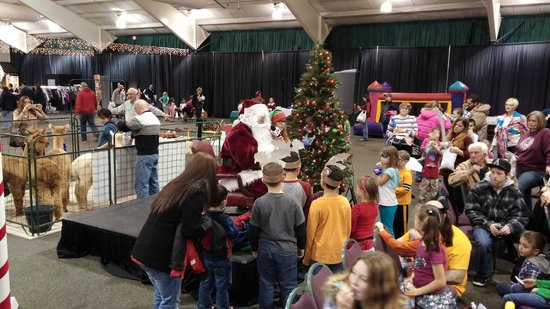 Lancaster Host Resort and Conference Center: Holiday Function Expo Center