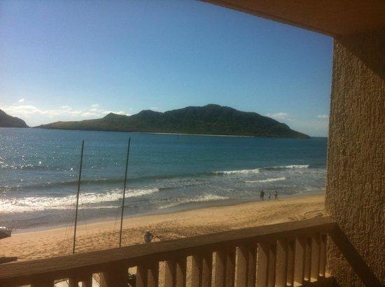 Hotel Playa Mazatlan: Vista maravillosa, sonido del mar
