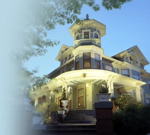 Lion and the Rose Victorian Guest House : The Lion and the Rose Bed & Breakfast