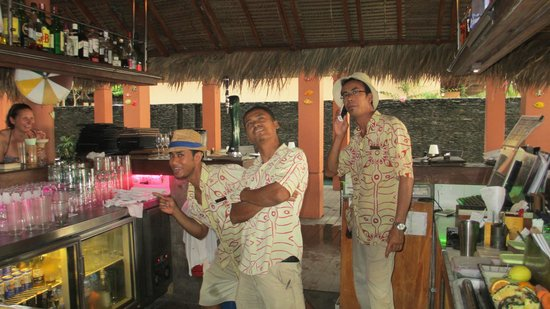Casa del Mar, Langkawi: The fun Bar Staff at Casa del Mare