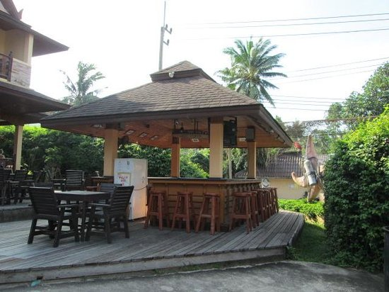 Asia Divers Resort: Bar area - good times!