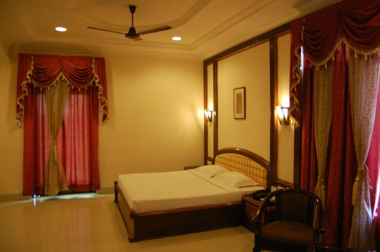 Hotel Rudra Continental : Suite Room