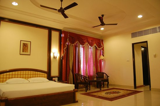 Hotel Rudra Continental: Suite Room