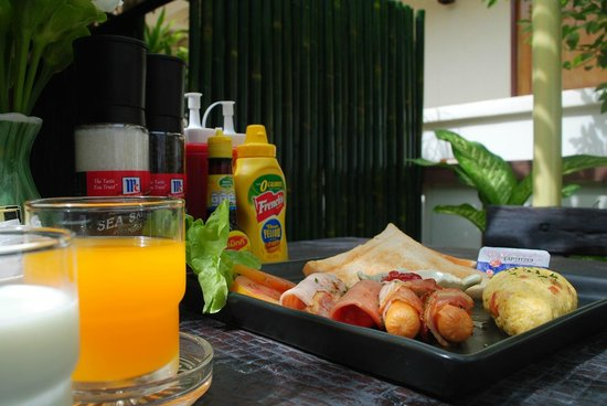 Baan Kata Maytha: Smart breakfast set, enough for start the day