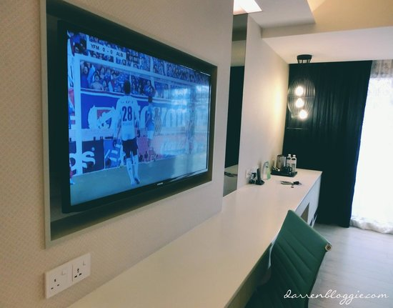 Village Hotel Katong by Far East Hospitality : Tv