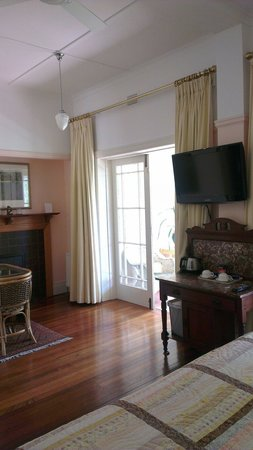 Silvermere Bed and Breakfast : Irvine room