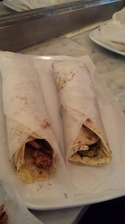 Thelewala: Chicken Roll