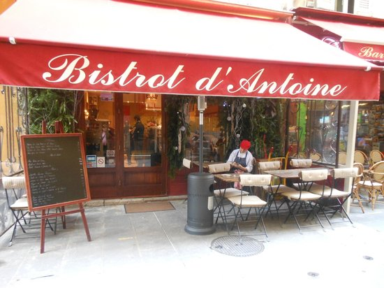 d cor dans l 39 escalier picture of le bistrot d 39 antoine nice tripadvisor. Black Bedroom Furniture Sets. Home Design Ideas