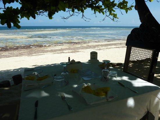 Msambweni Beach House: Lunch at the beach