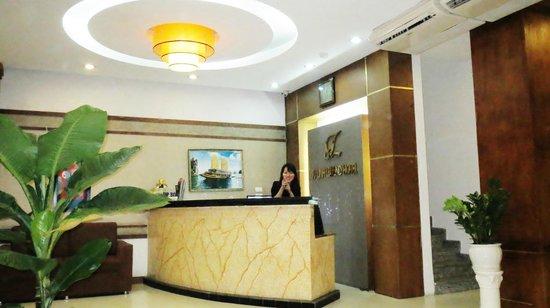 Tu Linh Legend Hotel: la réception