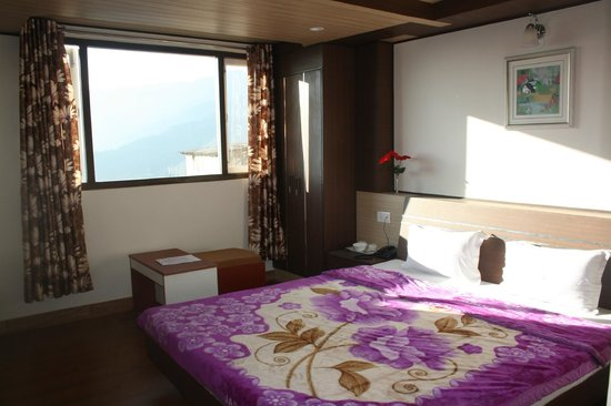 Hotel Berries: RUBY ROOM