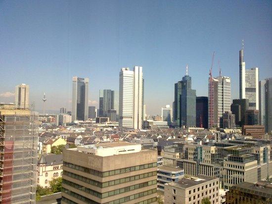 InterContinental Frankfurt: IC Frankfurt - Mainhatten skyline