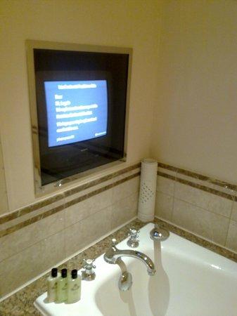 Hotel InterContinental Frankfurt: IC Frankfurt - Bathroom