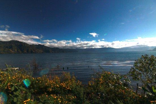 Casa Lobo Bungalows: lake atitlan