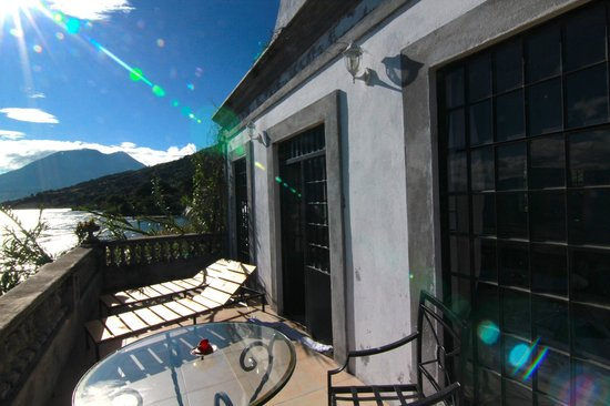 Casa Lobo Bungalows: balcony view