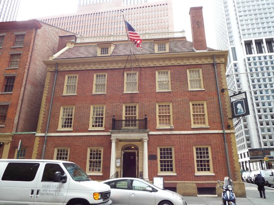 Fraunces Tavern Museum: The museum is on the upper floors; the tavern is below.