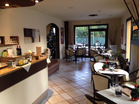 Hotel Montebello: Bar