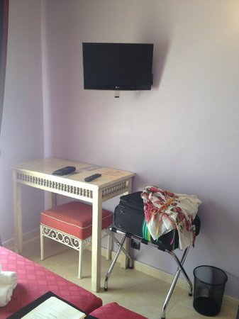 Hotel Sa Barrera: Мебель выдержана в одном стиле