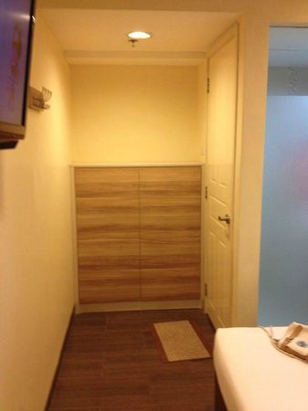 Hotel 81 Dickson: Room