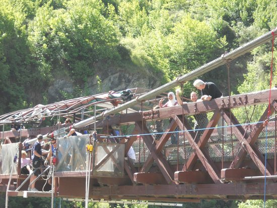 AJ Hackett Bungy New Zealand: Waiting and getting even more nervous