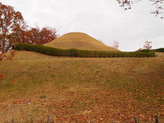 Takamatsuzuka Tomb: 遠景