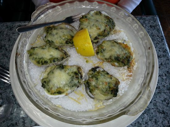 Dini's By The Sea: Oyster Rockefeller