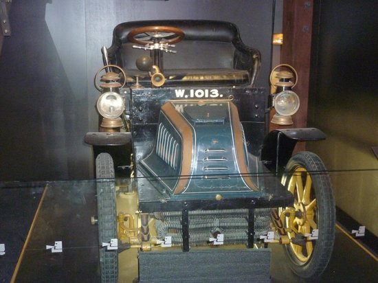 Museum of Wellington City & Sea : Antique motor vehicle