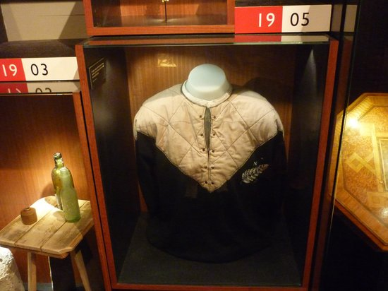 Museum of Wellington City & Sea : 1905 All Blacks jersey