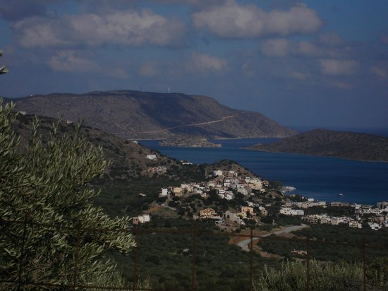 Six Senses Spa at Porto Elounda Crete : udsigt over Elounda og Korfosbay