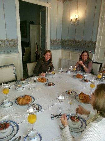 La Casa Noble: Desayuno (yogur con frutas y croissant recién hechos, uuhhmmm!!)