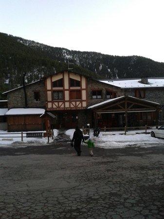 Hotel Camp del Serrat: Entrada al hotel